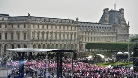 Γαλλικές εκλογές: τα όσα κατέγραψε η κάμερα λίγο πριν την ομιλία Μακρόν