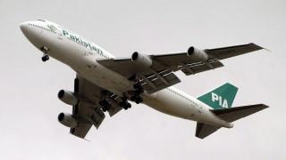 Πιλότος άφησε το αεροπλάνο σε εκπαιδευόμενο και πήγε για έναν υπνάκο (Pics)
