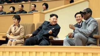 Ο Ντένις Ρόντμαν στηρίζει τον Κιμ Γιονγκ Ουν: Δεν θέλει να βομβαρδίσει κανέναν (pics)