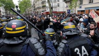 Παρίσι: Διαδηλώσεις με το «καλημέρα» για τον Εμανουέλ Μακρόν (pics&vids)