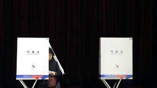 Προδομένοι από την «πριγκίπισσα του λαού» πάνε στις κάλπες οι Νοτιοκορεάτες