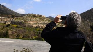 Οι Έλληνες ελπίζουν σε σούπερ-καλοκαίρι