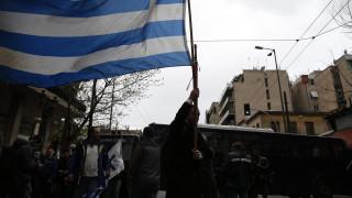 Φωνές και διαμαρτυρίες στα γραφεία του ΣΥΡΙΖΑ από αντιπροσωπεία των παραπληγικών