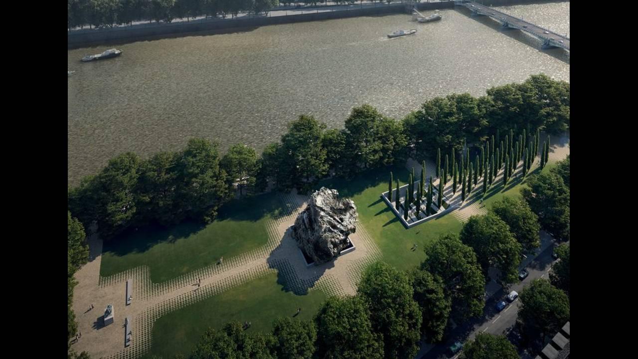 https://cdn.cnngreece.gr/media/news/2017/05/10/80136/photos/snapshot/anish-kapoor-zaha-hadid-architects-architecture-holocaust-memorial-cultural-uk_dezeen_2364_ss_0-852x609.jpg
