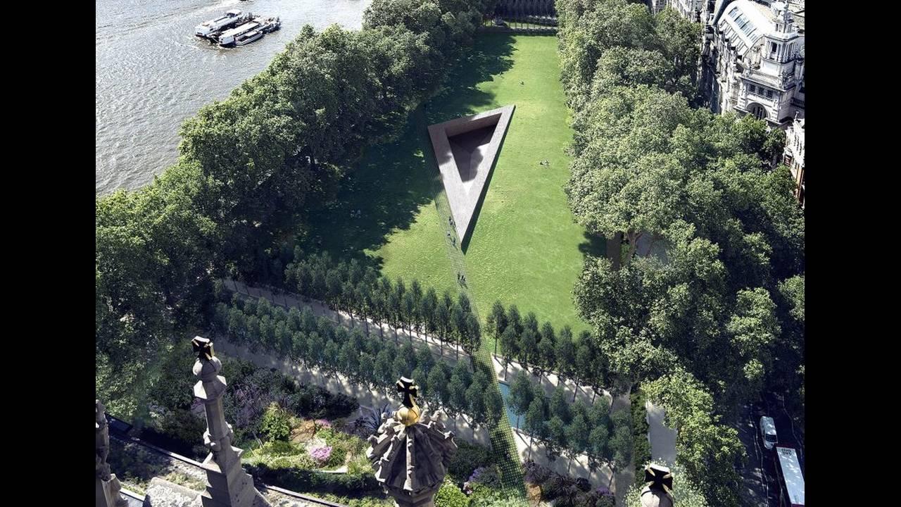https://cdn.cnngreece.gr/media/news/2017/05/10/80136/photos/snapshot/heneghan-peng-architects-holocaust-memorial-architecture-cultural-uk_dezeen_2364_ss_4-852x609.jpg