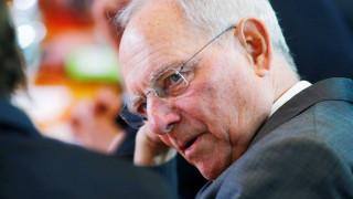 Σόιμπλε: Ο Μακρόν καλείται να αντιμετωπίσει «τρομερά δύσκολες» προκλήσεις