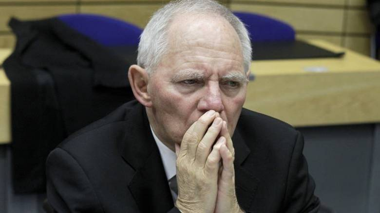 Σόιμπλε: Θα ήταν καλύτερα αν το 2015 η Ελλάδα έβγαινε προσωρινά από το ευρώ