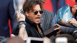 Τζόνι Ντεπ: Κυκλοθυμία, αλκοολισμός & κραιπάλες απειλούν την καριέρα του