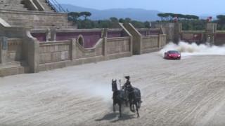 Άρμα με δυο άλογα τα βάζει με μια Ferrari (Vid)