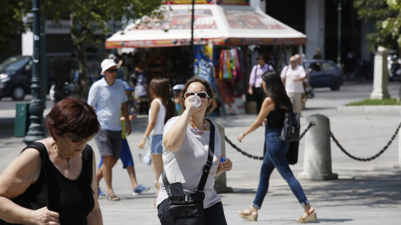 Καύσωνας: Οδηγίες προφύλαξης από το υπουργείο Υγείας