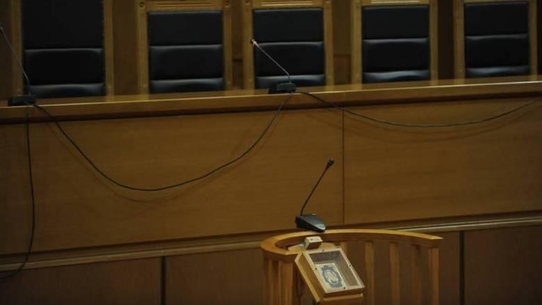 Δεν θα δεχθεί νέες περικοπές στις αποδοχές των δικαστικών λειτουργών η Ένωση Διοικητικών Δικαστών