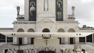 Ο Πάπας Φραγκίσκος αγιοποίησε τα παιδιά της Φάτιμα που είδαν όραμα την Παναγία