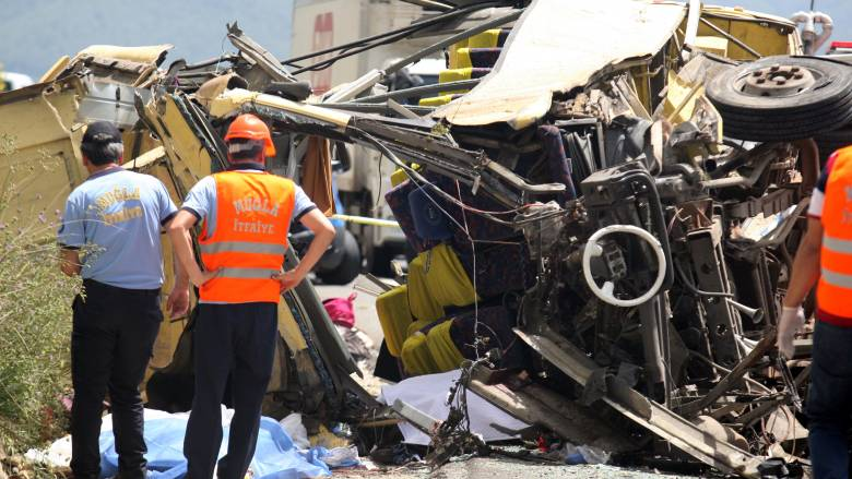 Τουρκία: Αυξήθηκε ο τραγικός απολογισμός του τροχαίου με λεωφορείο (pics)