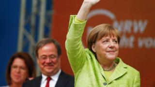 Δημοσκόπηση Γερμανία: Δέκα μονάδες μπροστά η Μέρκελ από τον Σουλτς