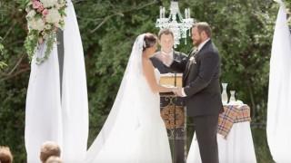 Ο γαμπρός χαστούκισε τη νύφη...και δεν είχε καν προλάβει να του πατήσει το πόδι (vid)