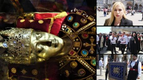 Αποστολή στη Βενετία: Η μεταφορά της Αγίας Ελένης «βούλιαξε» την πλατεία του Αγίου Μάρκου (pics)