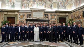 Ο Πάπας Φραγκίσκος «ευλόγησε» Γιουβέντους και Λάτσιο (pics)