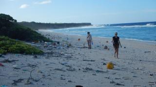 Χέντρεσον: Το νησί του Ειρηνικού που καλύπτουν τόνοι πλαστικών σκουπιδιών (pics&vid)