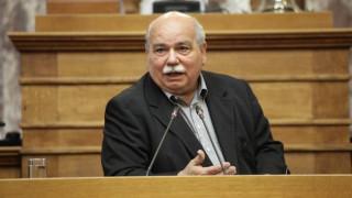 Βουλή: O Νίκος Βούτσης καλύπτει τη φρουρά για το επεισόδιο