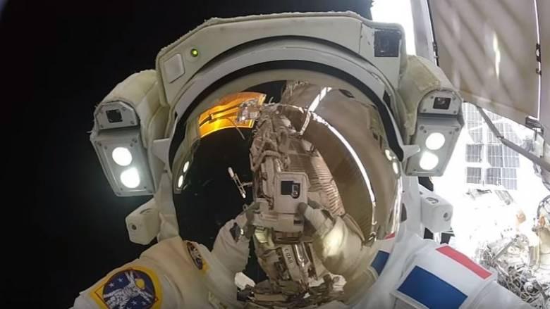 Το Σύμπαν στο «πιάτο» σας: Αστροναύτες μας χάρισαν έναν υπέροχο διαστημικό «περίπατο» (Vid)