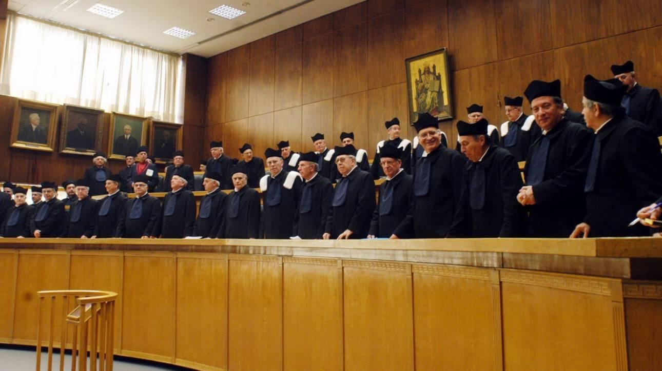 Ο «κόφτης» στα προνόμια των βουλευτών, επηρεάζει του μισθούς των δικαστών