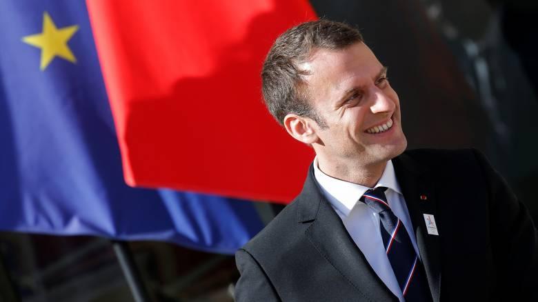 Γαλλία: Ο Μακρόν παρουσιάζει την 15μελη νέα κυβέρνηση