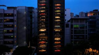 Αυτόματος πωλητής… Ferrari και Lamborghini!