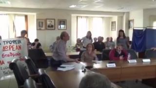 «Γυαλιά καρφιά» τα έκανε δημοτικός σύμβουλος στη Φλώρινα (vid)