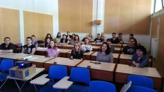 Φοιτητές από τη Ρωσία μιλούν σε άπταιστα ελληνικά για τους Έλληνες
