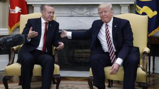 Ερντογάν σε Τραμπ: Αν δεχθούμε επίθεση θα απαντήσουμε χωρίς να ρωτήσουμε κανέναν