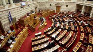 Κόντρες και υψηλοί τόνοι στη Βουλή για το πολυνομοσχέδιο