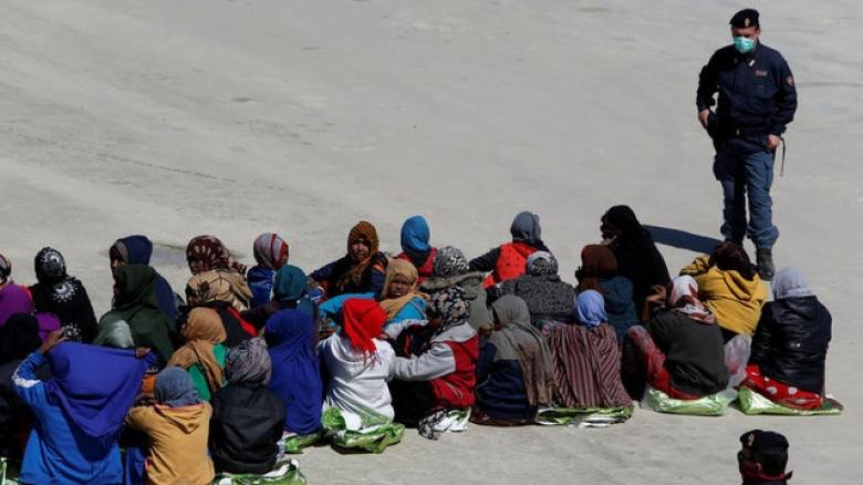 Το Ευρωκοινοβούλιο καλεί τις χώρες της ΕΕ να επιταχύνουν τη μετεγκατάσταση προσφύγων