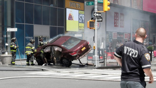 Νέα Υόρκη: Αυτοκίνητο χτύπησε πεζούς στην Times Square (pics&vid)