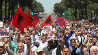 Μετατίθενται οι εκλογές στην Αλβανία κατά μια εβδομάδα