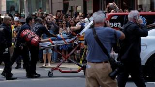 Times Square: Οι συγκλονιστικές φωτογραφίες από το σημείο που το αυτοκίνητο έπεσε σε πεζούς