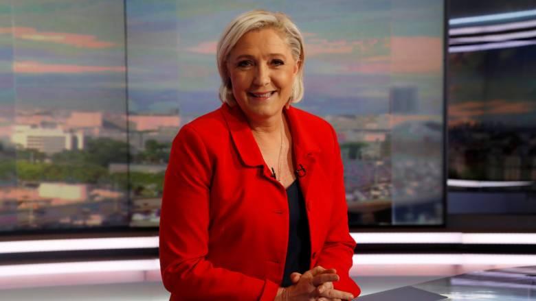 Η Λεπέν ανακοίνωσε την υποψηφιότητά της για τις βουλευτικές εκλογές (pics&vid)