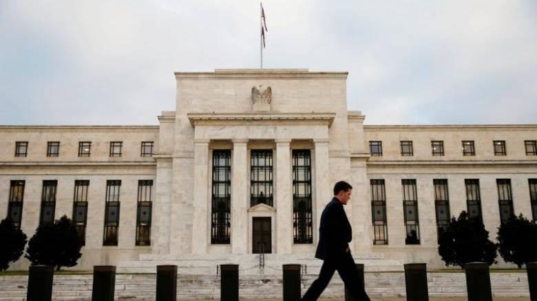 Τρεις στους δέκα Αμερικανούς αντιμετωπίζουν οικονομικό πρόβλημα