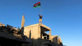 141 νεκροί σε επίθεση εναντίον στρατιωτικής βάσης στο νότιο τμήμα της Λιβύης