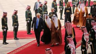 Η θερμή υποδοχή του βασιλιά Σαλμάν στον Τραμπ (pics)