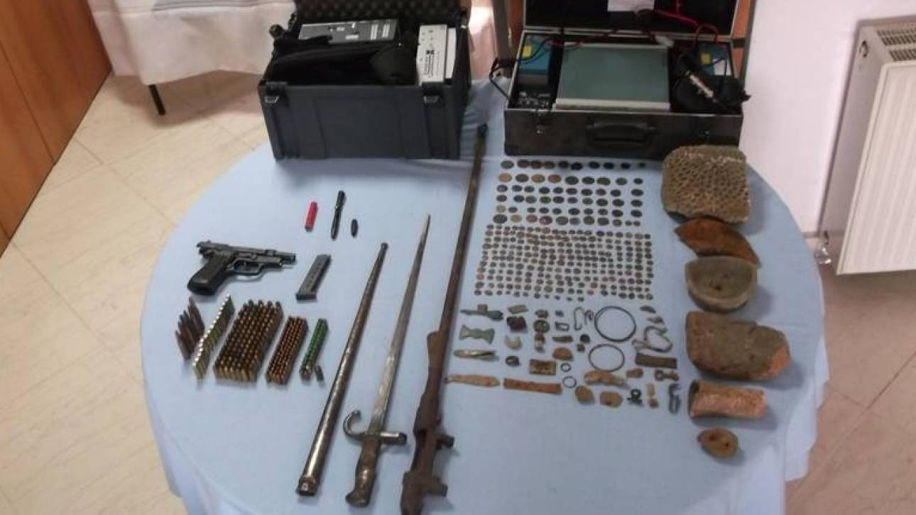 Σε τρία σπίτια στα Γρεβενά εντόπισαν σπάνια αρχαιολογικά αντικείμενα