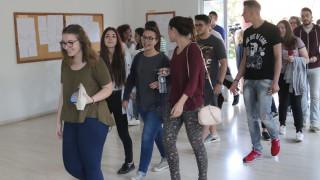 Πανελλαδικές εξετάσεις: Το πρόγραμμα για τους Έλληνες του εξωτερικού