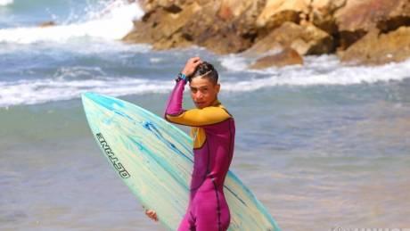 Από τη Συρία στο Λίβανο με μια σανίδα surf