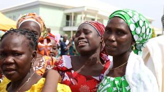 Νιγηρία: Ακόμη 82 μαθήτριες του Τσίμποκ στην αγκαλιά των οικογενειών τους