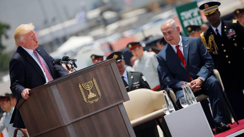 Ο Τραμπ έφθασε στο Ισραήλ: «Δίνεται μία σπάνια ευκαιρία για την ειρήνη» (pics)