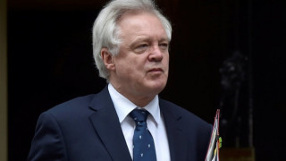 Η Βρετανία προειδοποιεί την Ευρωπαϊκή Ένωση για την «ιδεολογική εμμονή»