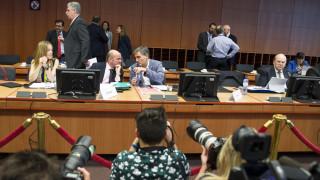 Μεγάλη η νύχτα στο Eurogroup για την Ελλάδα – «Μάχες» για το χρέος