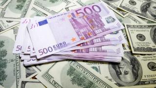 Στα υψηλότερα επίπεδα των τελευταίων έξι μηνών το ευρώ