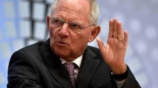 Ο Σόιμπλε επιμένει να αντιστέκεται στην ελάφρυνση του ελληνικού χρέους