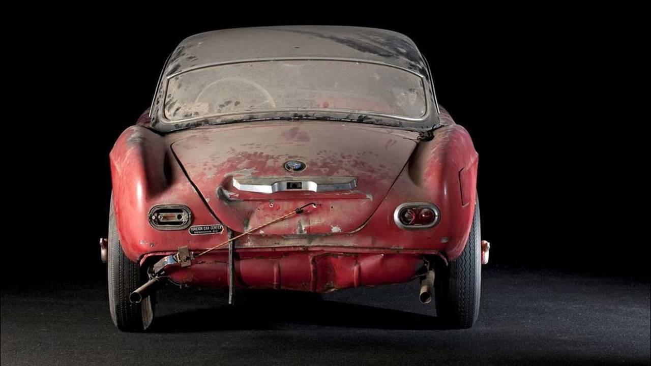 https://cdn.cnngreece.gr/media/news/2017/05/23/81844/photos/snapshot/1957-bmw-507-roadster-elvis-presley-79.jpg