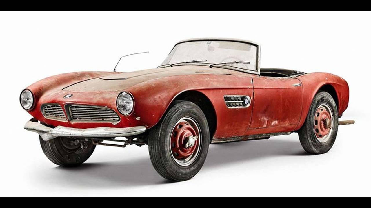 https://cdn.cnngreece.gr/media/news/2017/05/23/81844/photos/snapshot/1957-bmw-507-roadster-formerly-owned-by-elvis-presley-79.jpg